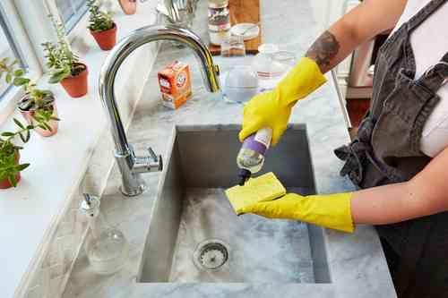 Чем можно почистить каменную раковину на кухне?