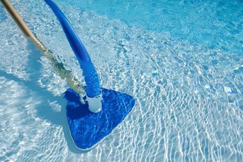 Как почистить бассейн в домашних условиях?