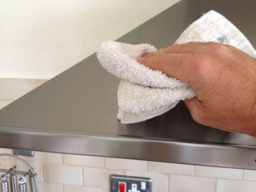 Как отмыть нержавейку в домашних условиях?