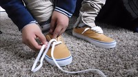 Чем и как эффективно отстирать шнурки? Обзор всех возможных способов и средств