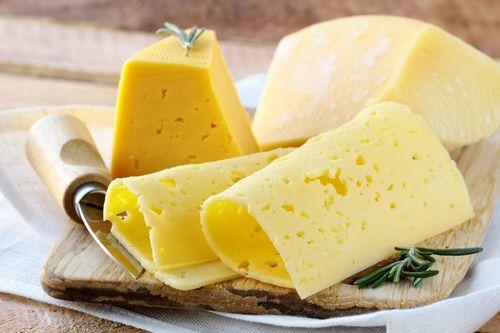 Эффективные советы и правила как хранить сыр в холодильнике и без него