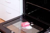 Новая жизнь духовки — чем и как почистить?
