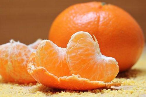 Способы чистки микроволновки мандариновыми корками
