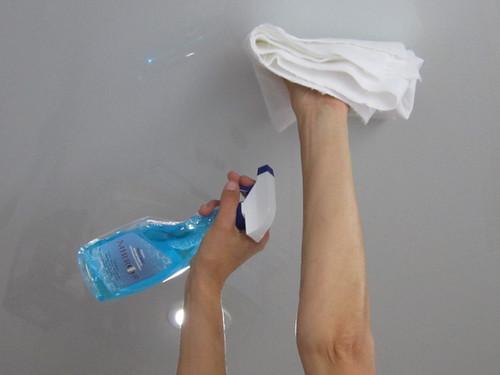 Как помыть матовый натяжной потолок?