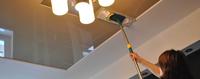 Как помыть натяжной потолок на кухне?