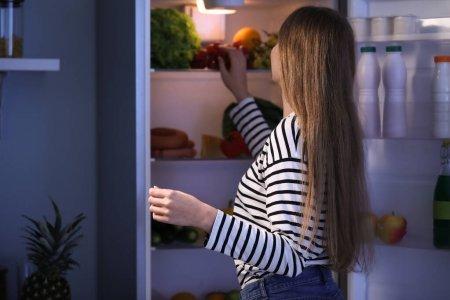 Как почистить дренажное отверстие в холодильнике своими руками?