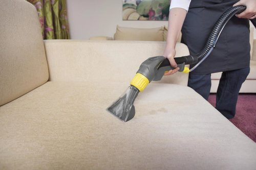 Как проводить химчистку дивана в домашних условиях?