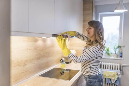Уборка на кухне — чем отмыть жир?
