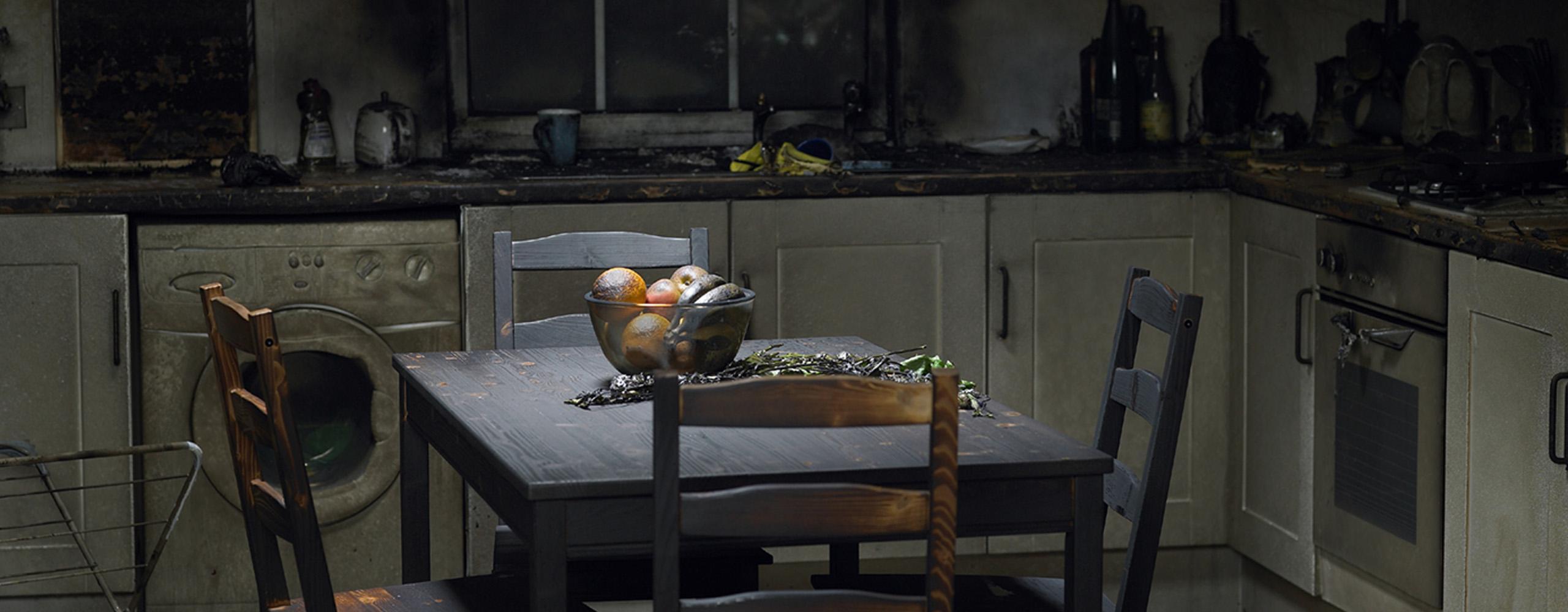 Убрать запах гари в квартире после пожара