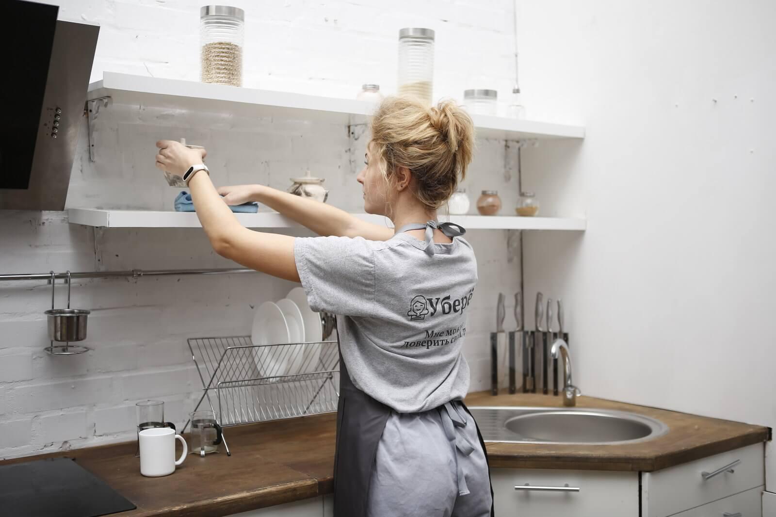 Как быстро убрать кухню