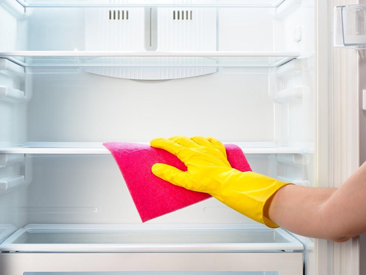 Как помыть новый холодильник