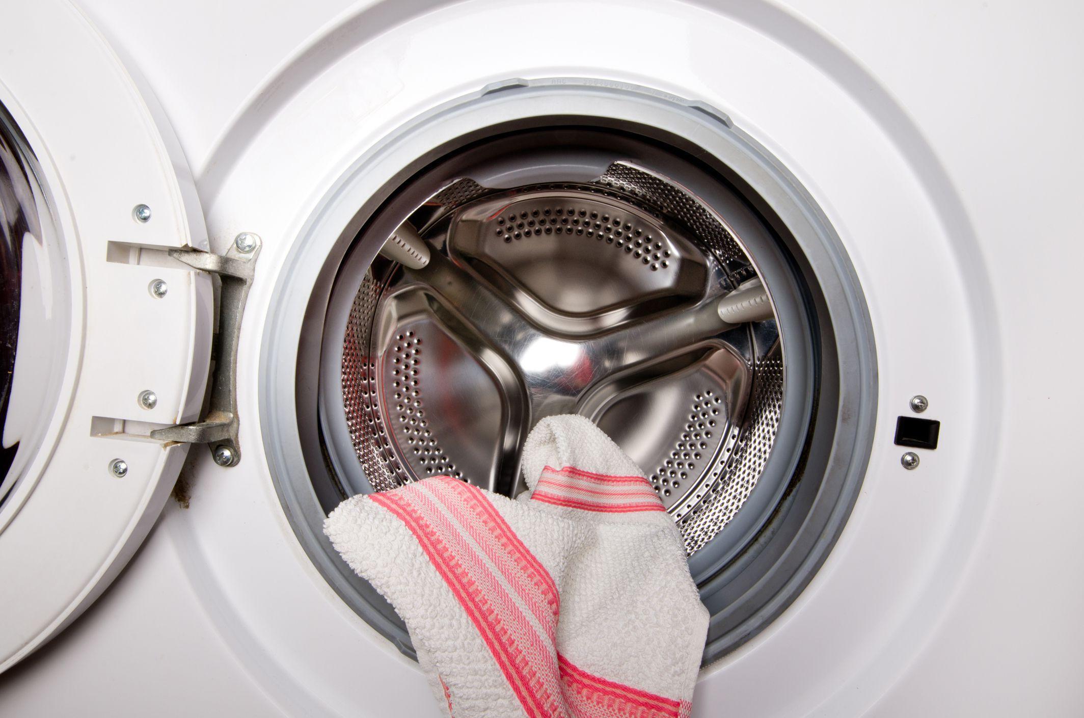 Как правильно почистить стиральную машинку
