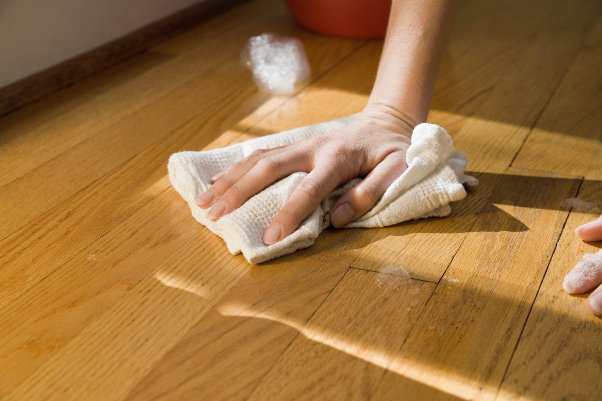 Очистить масляную краску с линолеума
