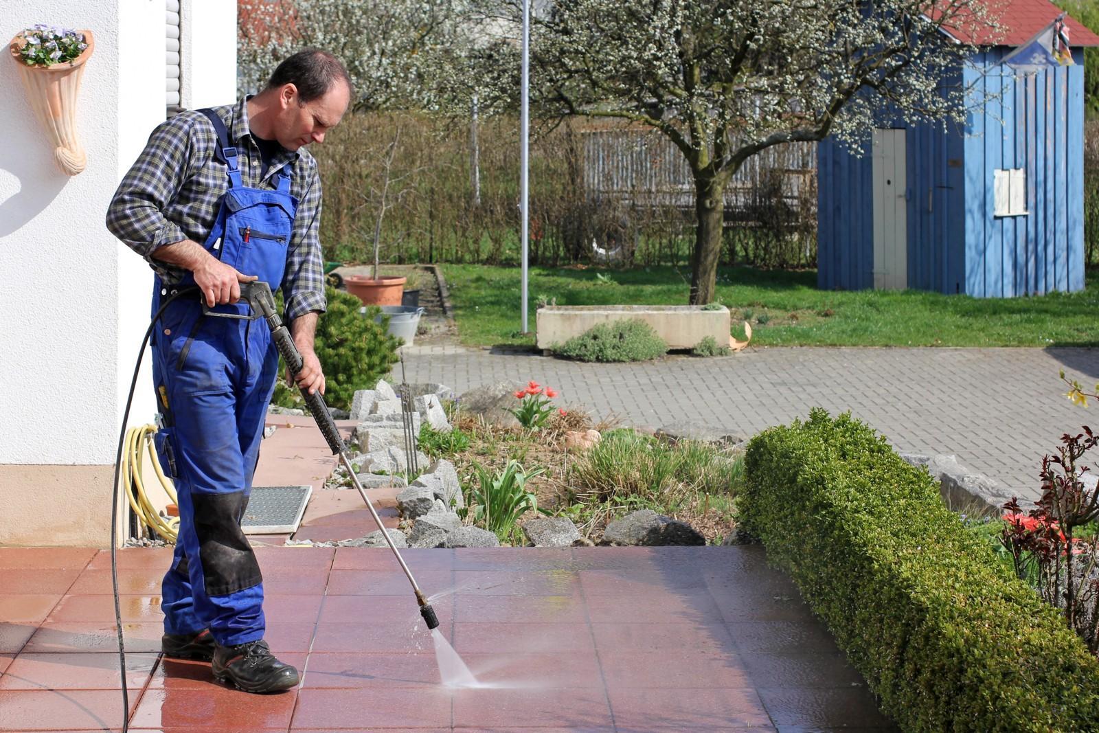 Договор об оказании услуг по уборке территории