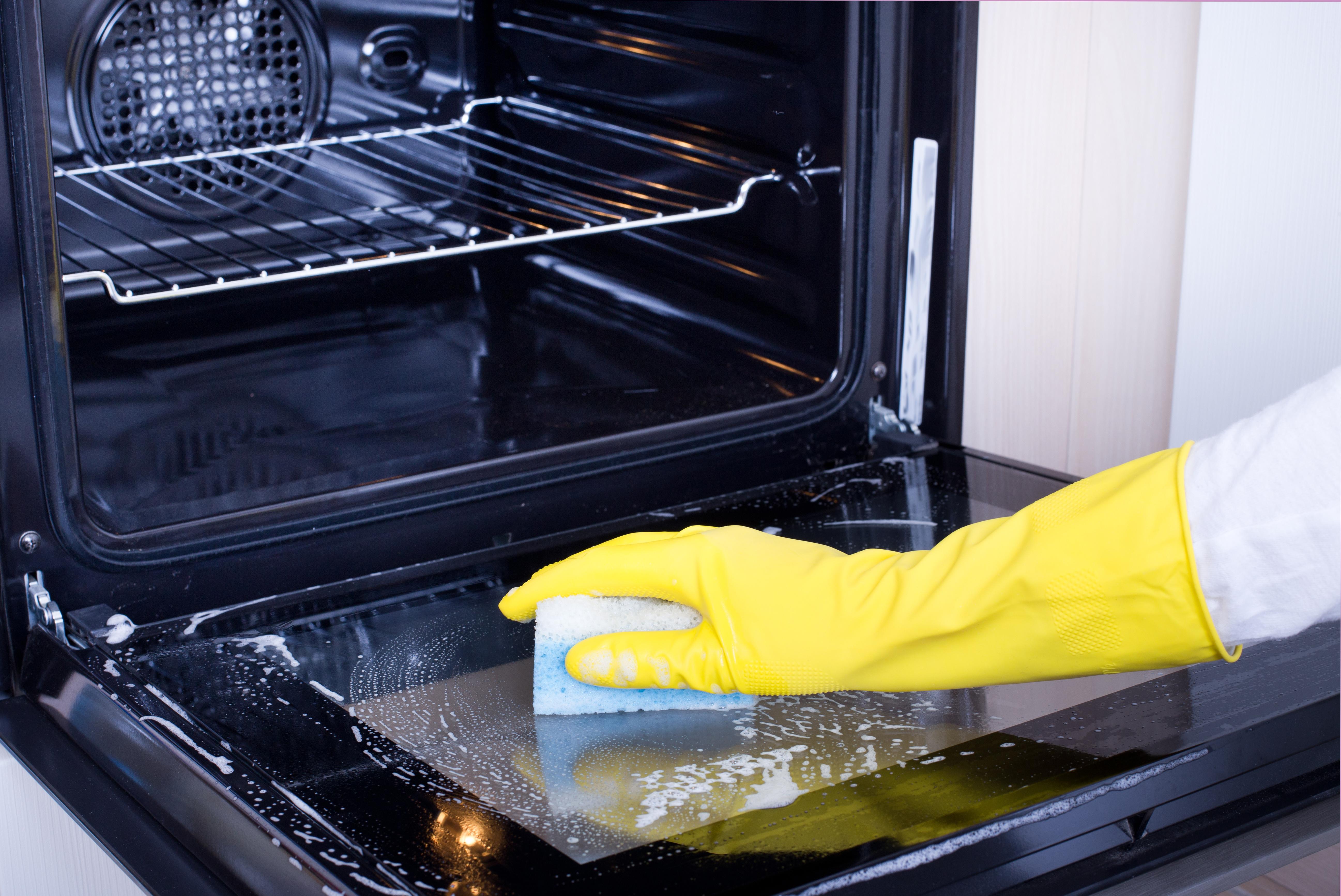 Как отмыть стекло в духовке