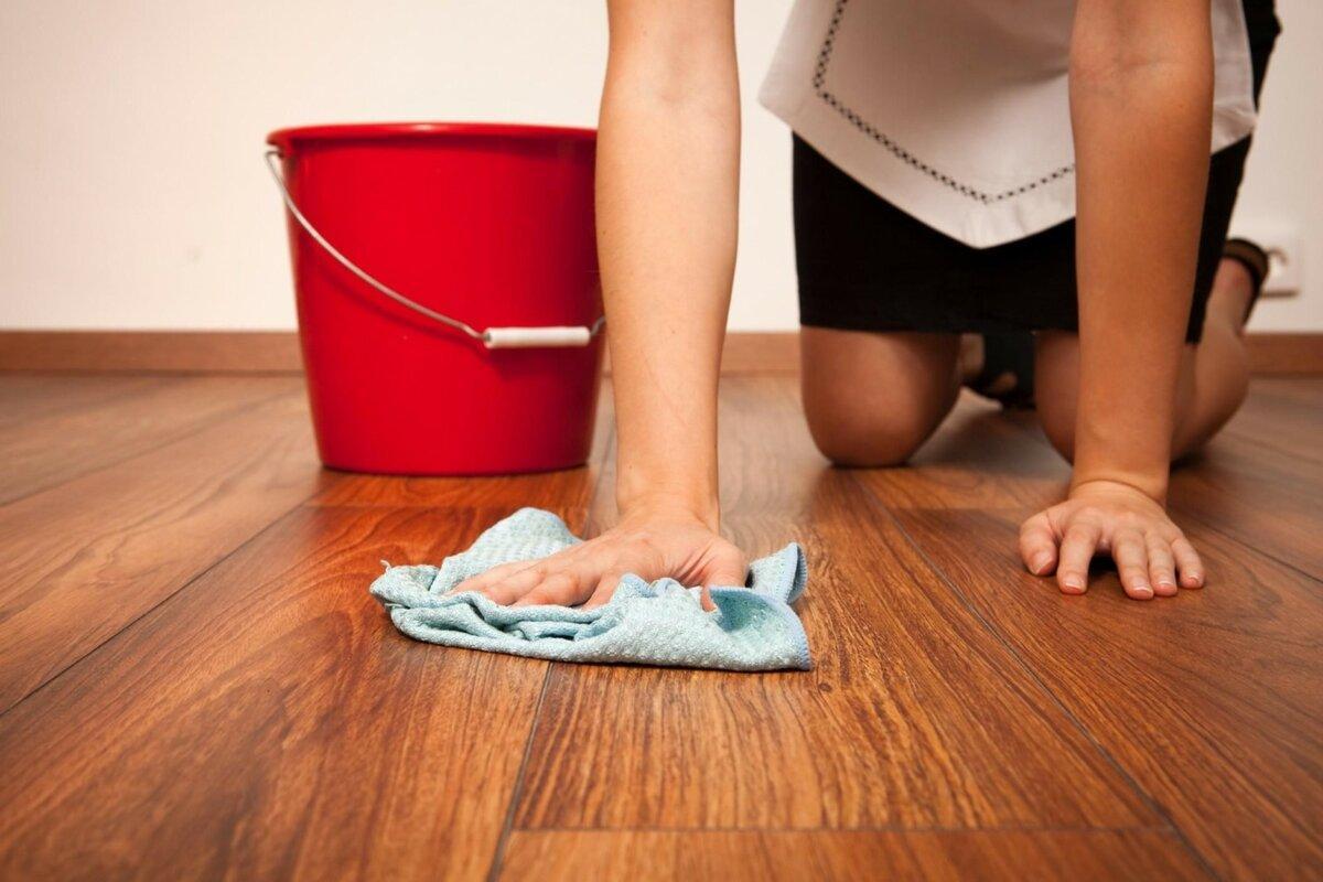 Чем чистить линолеум на кухне