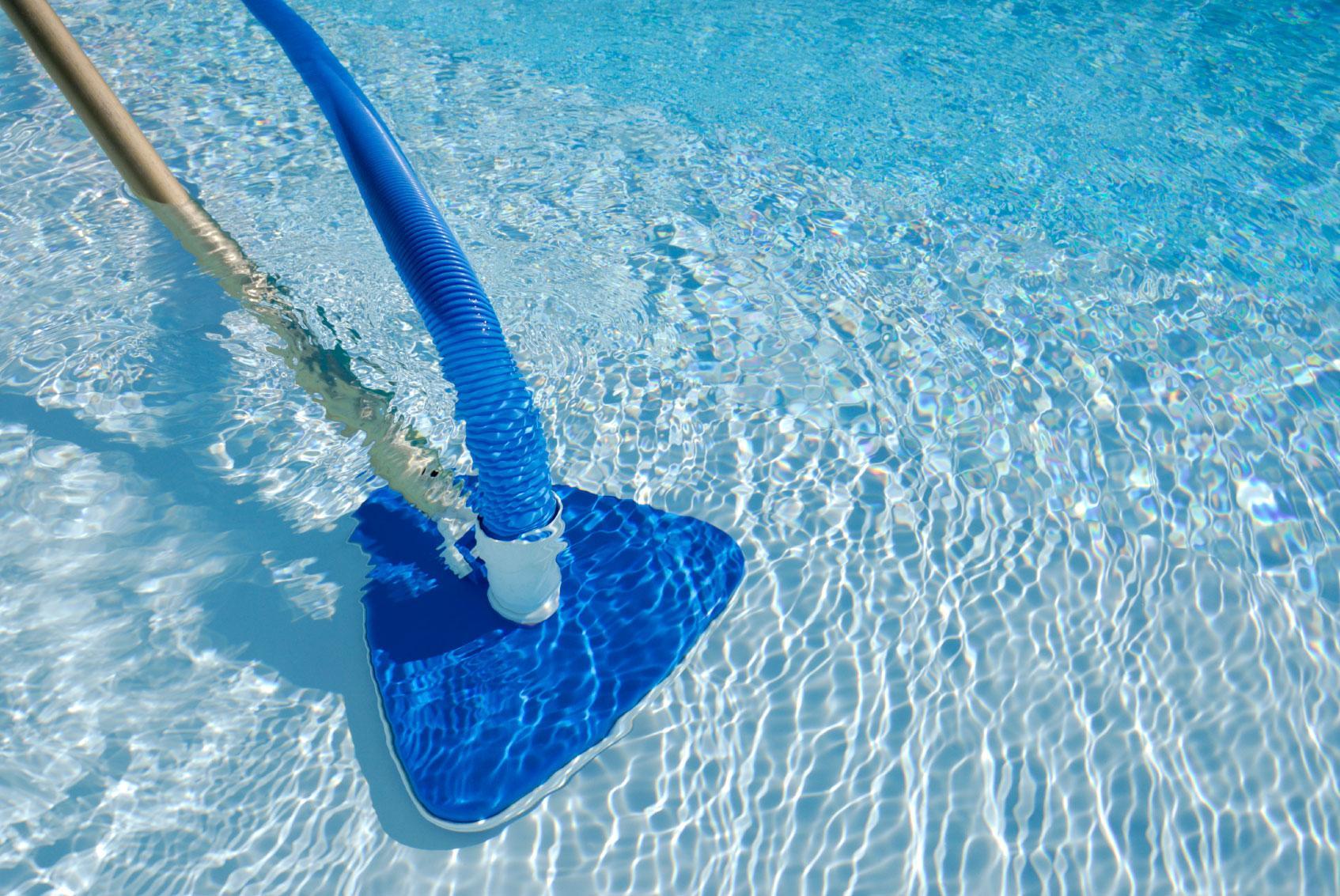 Как чистить бассейн
