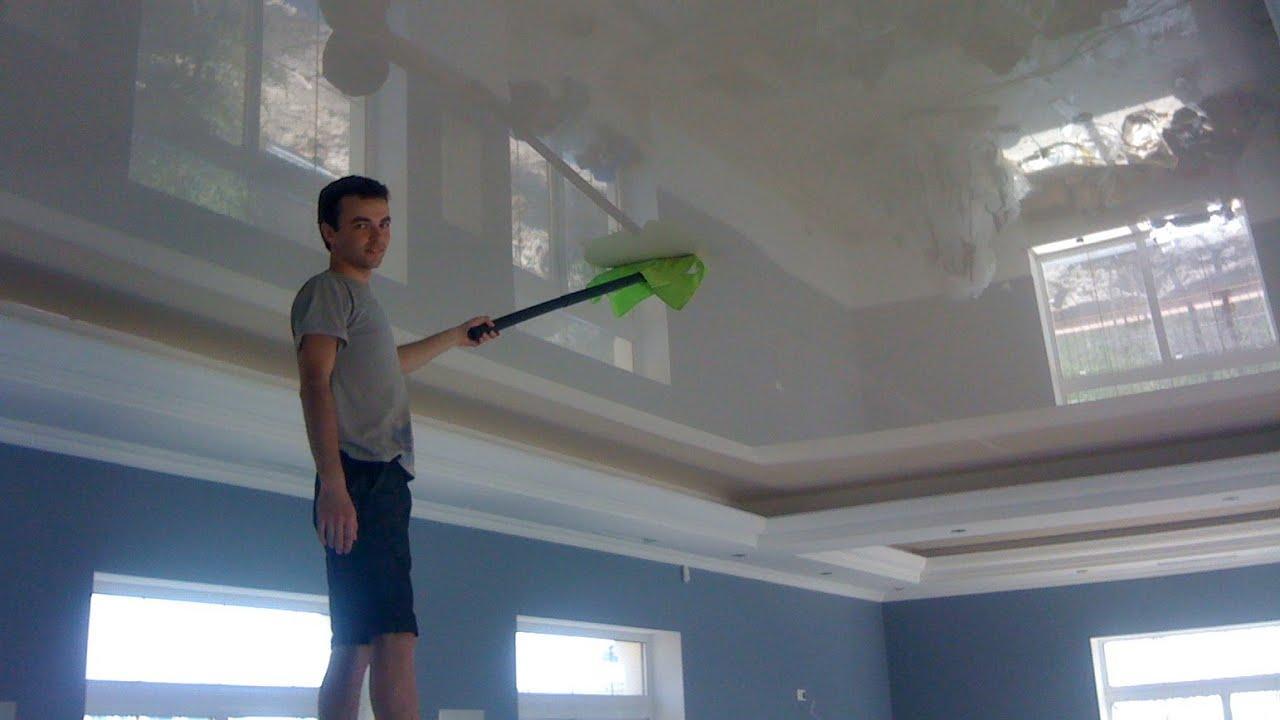 Как правильно помыть натяжной глянцевый потолок