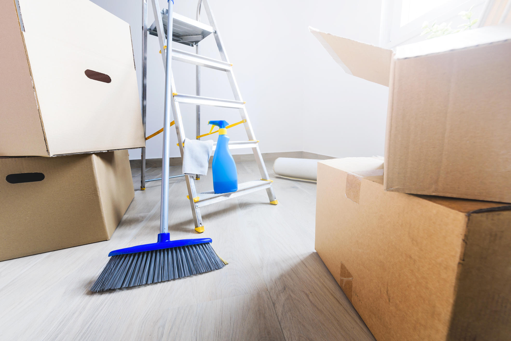 Убрать в квартире пыль после ремонта