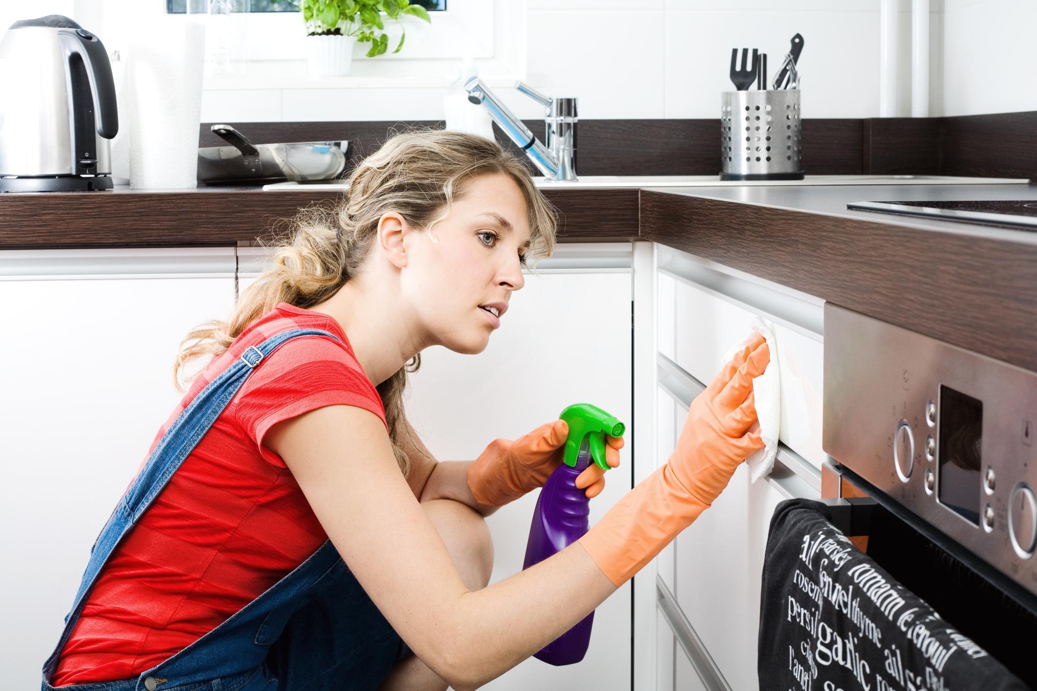 Чем помыть глянцевую кухню