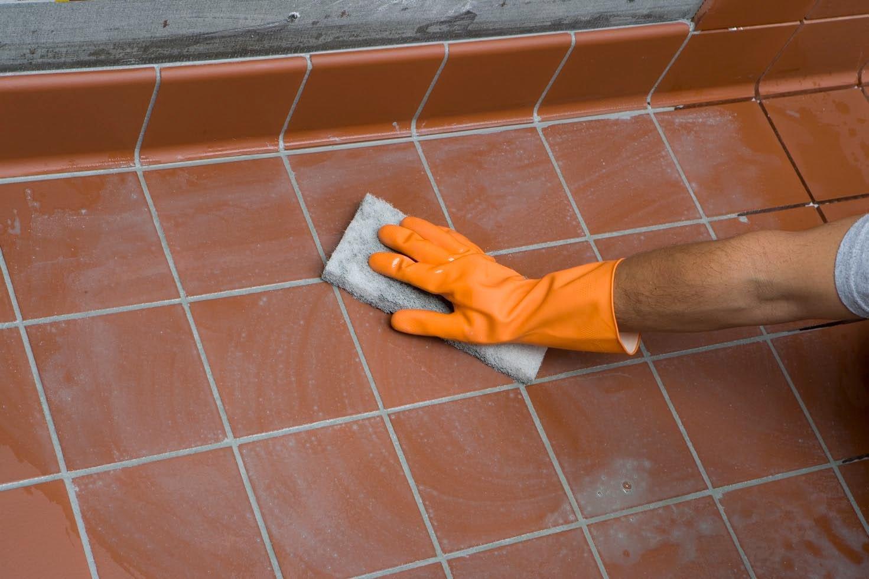 Очистка плиточных швов