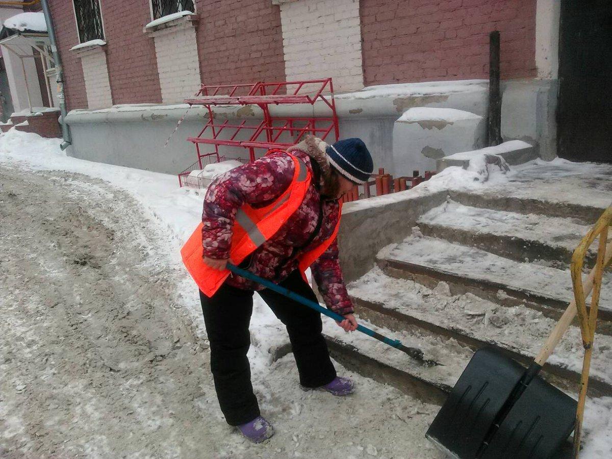 По уборке придомовой территории в зимний период
