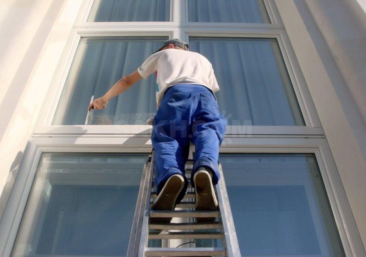 Как помыть окна снаружи
