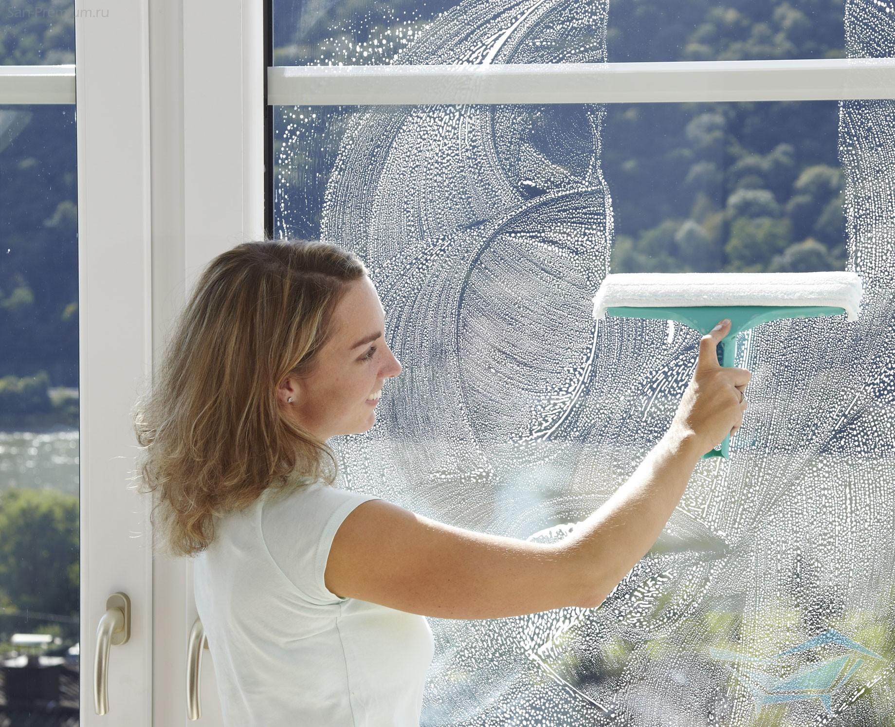 Почистить пластиковые окна от скотча