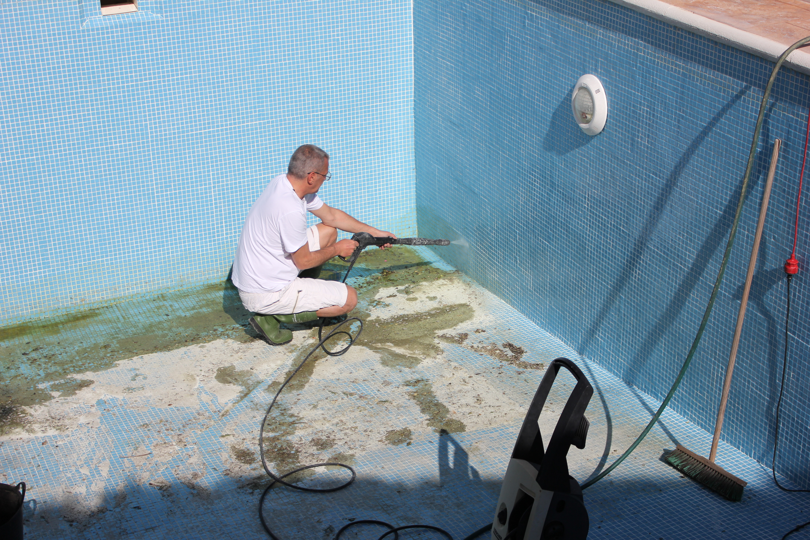 Как чистить каркасный бассейн