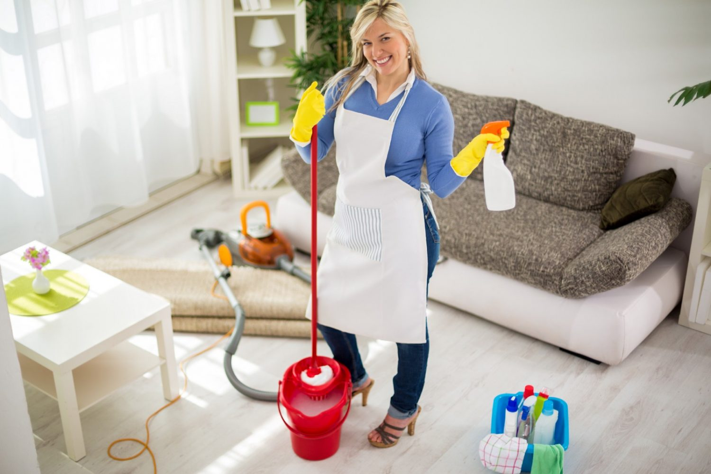 Чем убрать запах в квартире